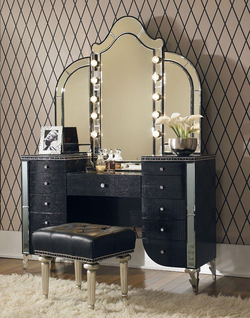 Hollywood Swank Bedroom Set W/ Creamy Pearl Bed Aico