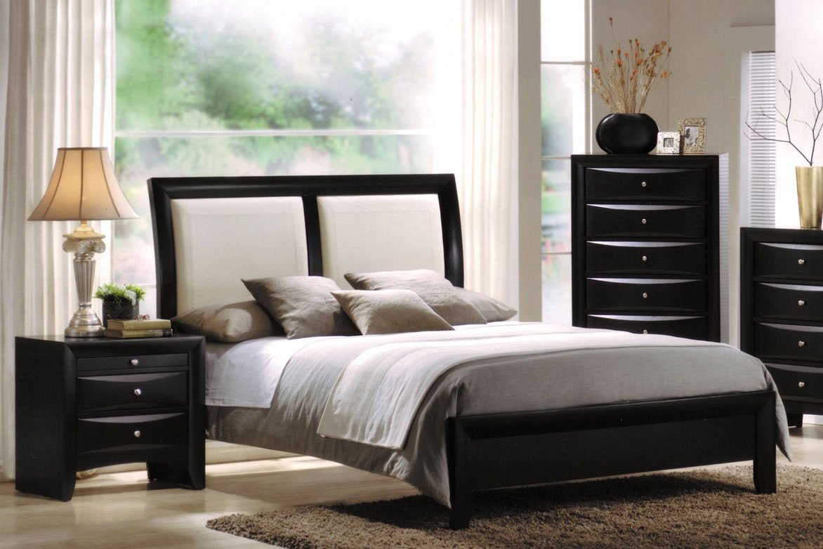 Ireland White PU Sleigh Bedroom Set (Black)