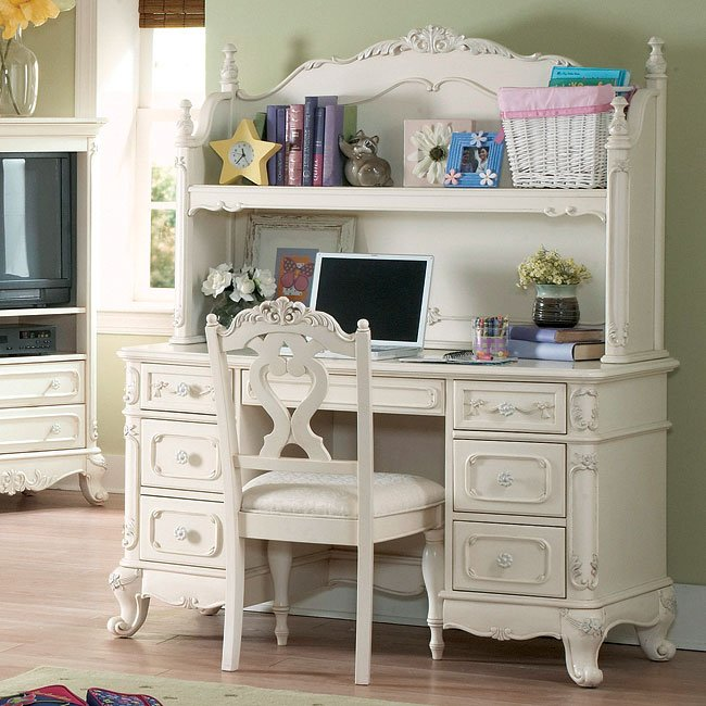 . Cinderella Youth Low Post Bedroom Set