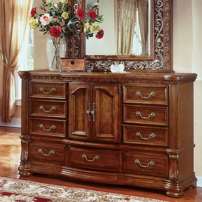 Cordoba Door Dresser (Burnished Pine)