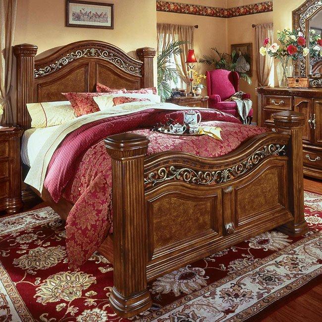 Cordoba Poster Bed (Burnished Pine)