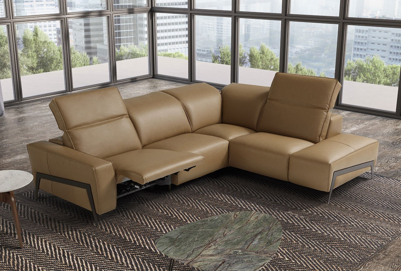 Superbe Ocean Motion Right Chaise Sectional (Miele)