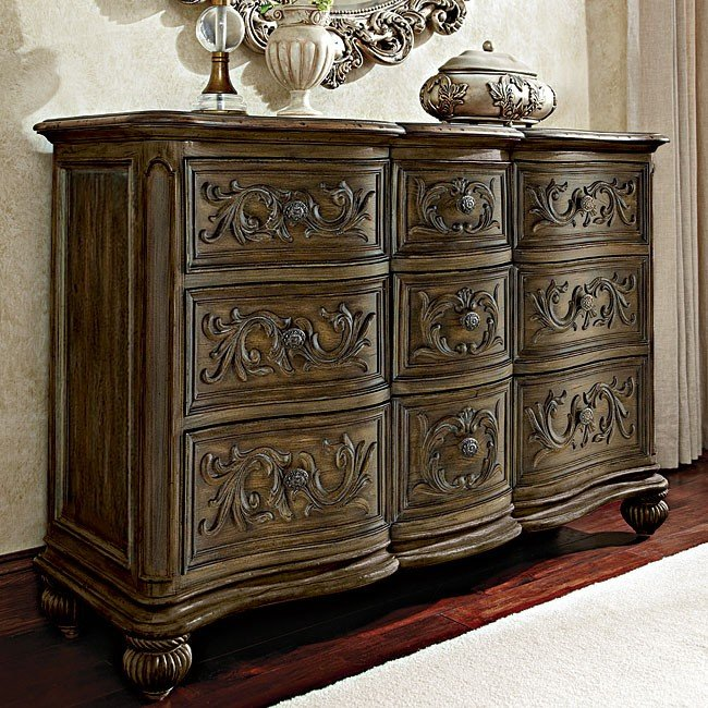 Jessica Mcclintock The Boutique Nine Drawer Dresser