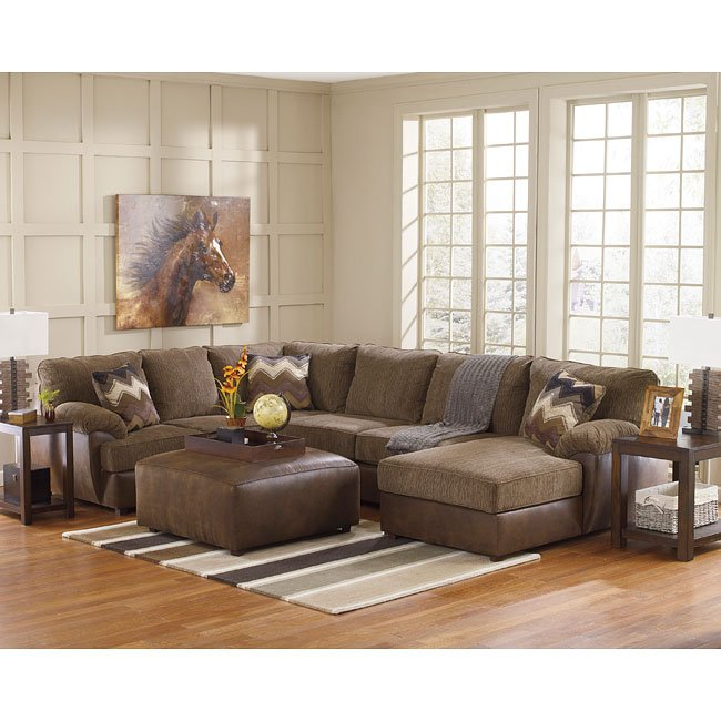 Cladio Hickory Living Room Sectional Set