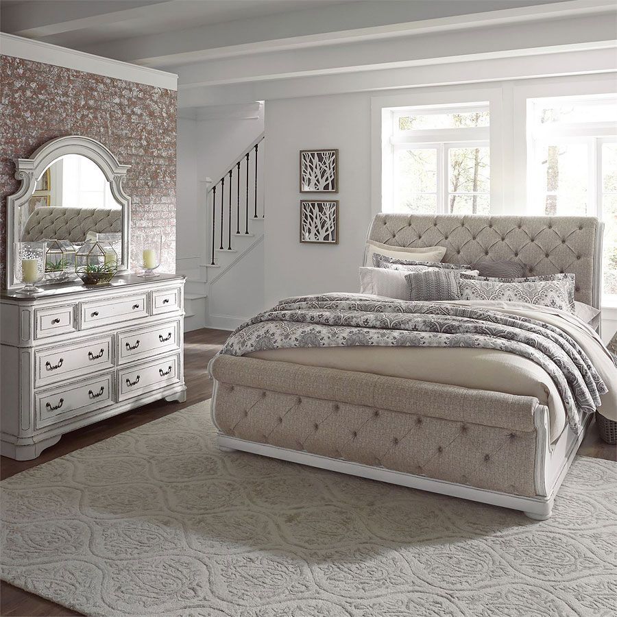 Magnolia Manor Upholstered Sleigh Bedroom Set
