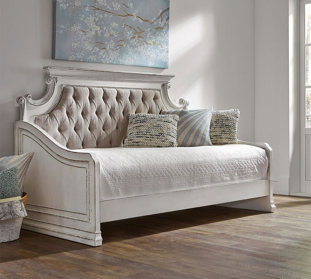Magnolia Manor Daybed