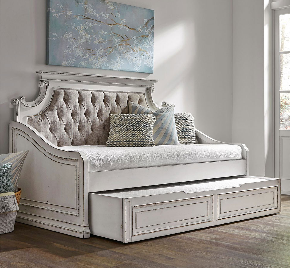 Magnolia Manor Daybed w/ Trundle