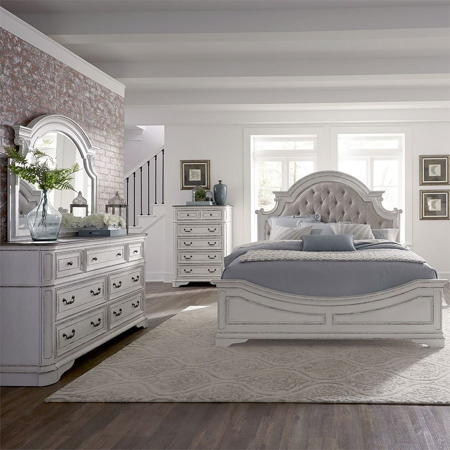 Magnolia Manor Panel Bedroom Set