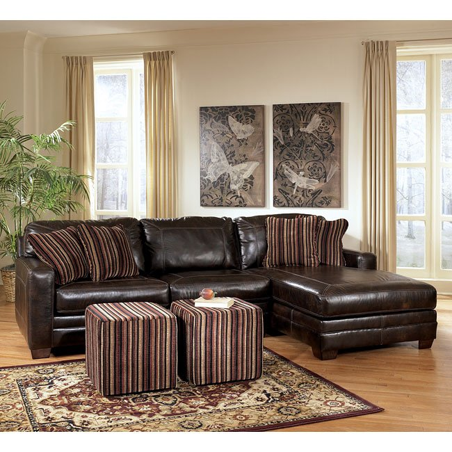 Pierce - Canyon Small Sectional Living Room Set