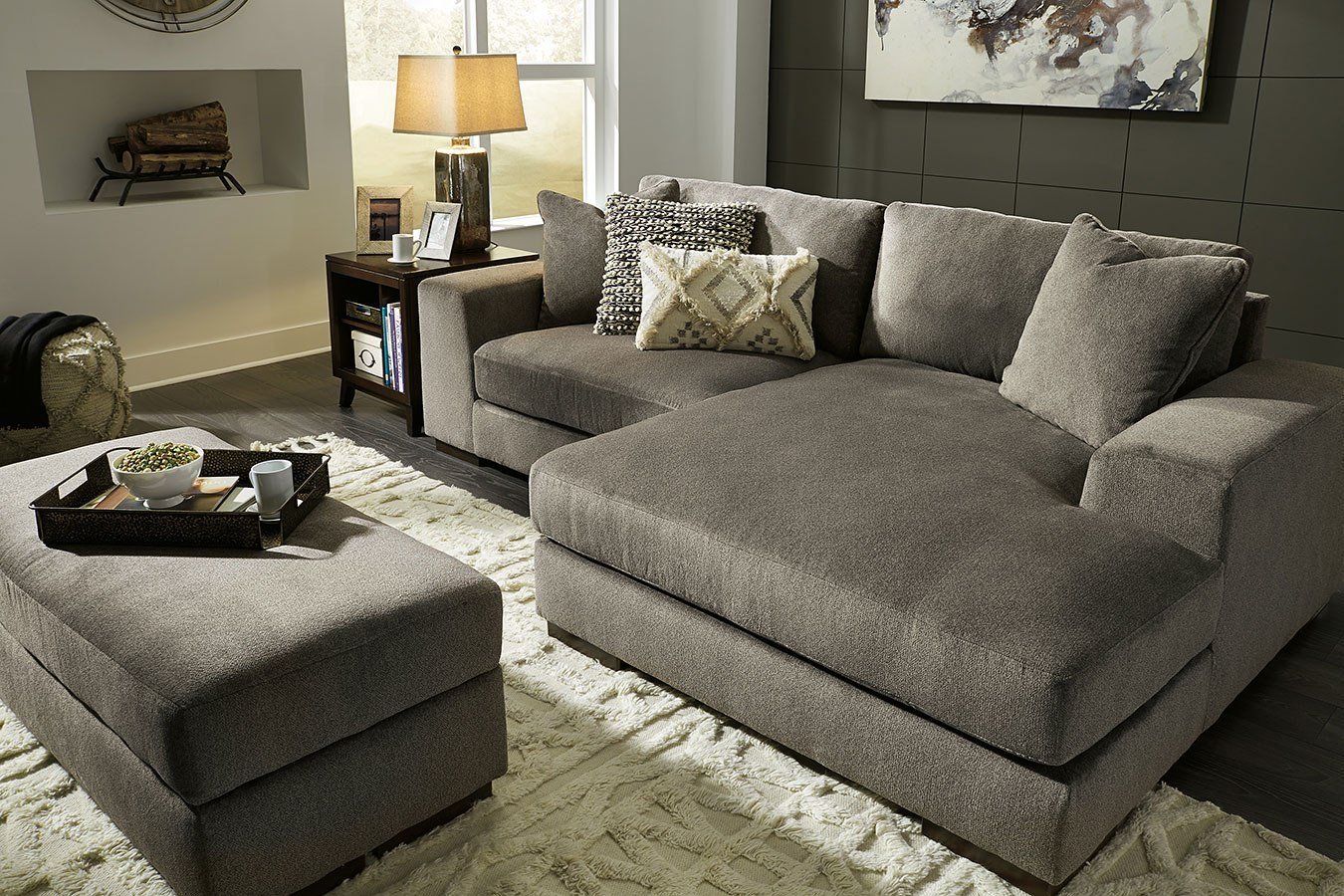 Manzani Graphite Sectional Living Room Set Signature