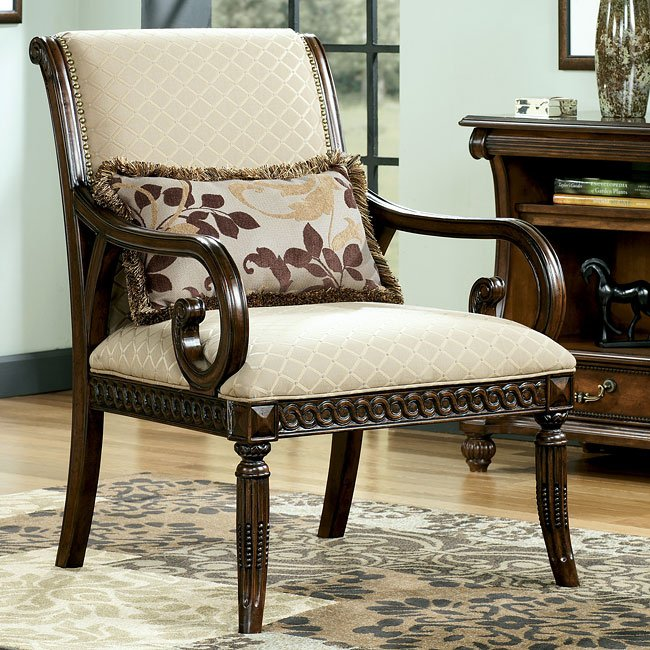 Lilly - Caramel Showood Accent Chair