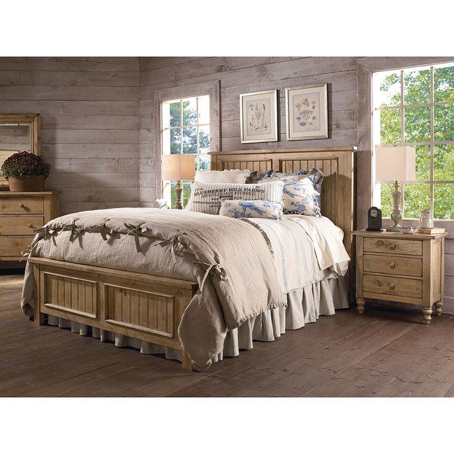 Homecoming Panel Bedroom Set (Vintage Pine)