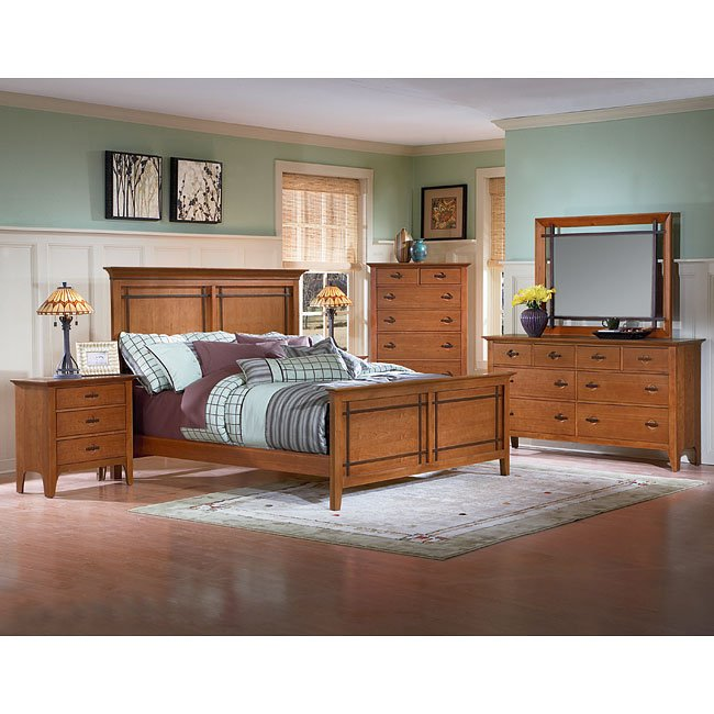 Franklin Heights Panel Bedroom Set