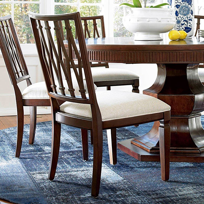 Universal Dining Room Furniture: Silhouette Round Dining Room Set W/ Harlequin Chairs