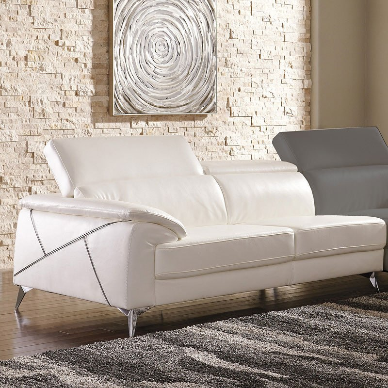 Tindell White Right Chaise Sectional Signature Design