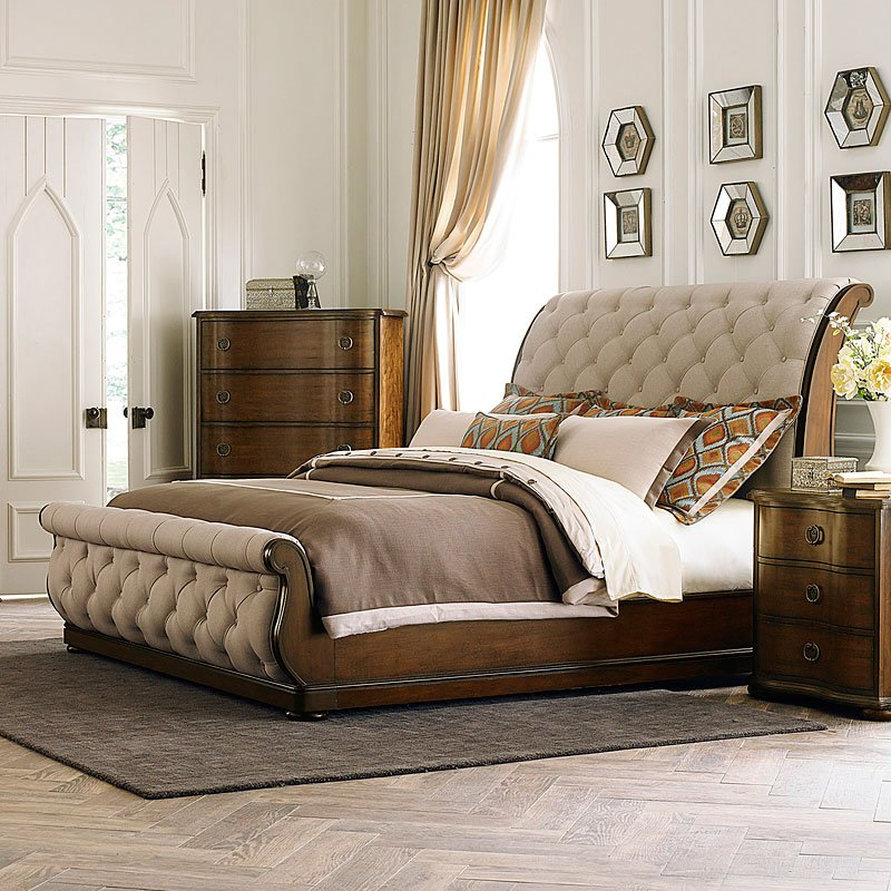 Cotswold Sleigh Bed