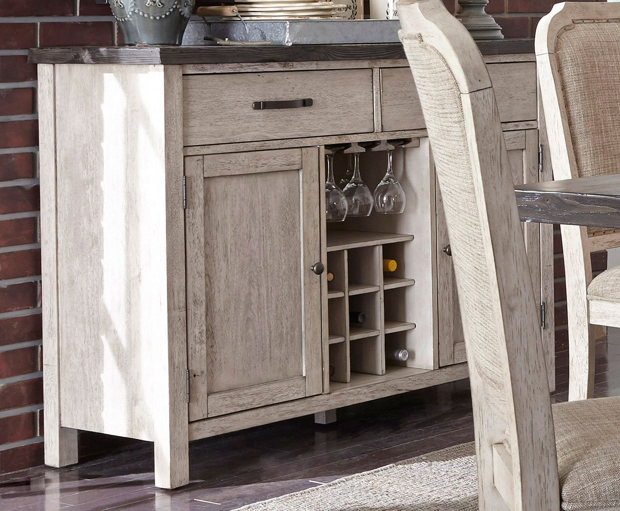 Willowrun Sideboard By Liberty Furniture
