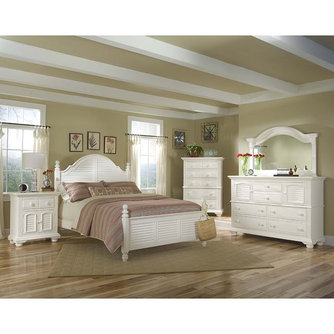 Cottage Traditions Poster Bedroom Set (White)