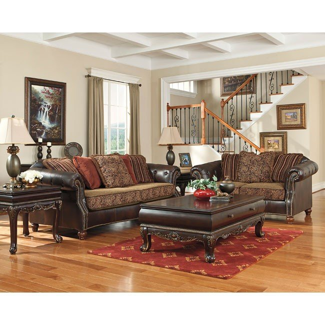 Maddielynn Square Auburn Living Room Set