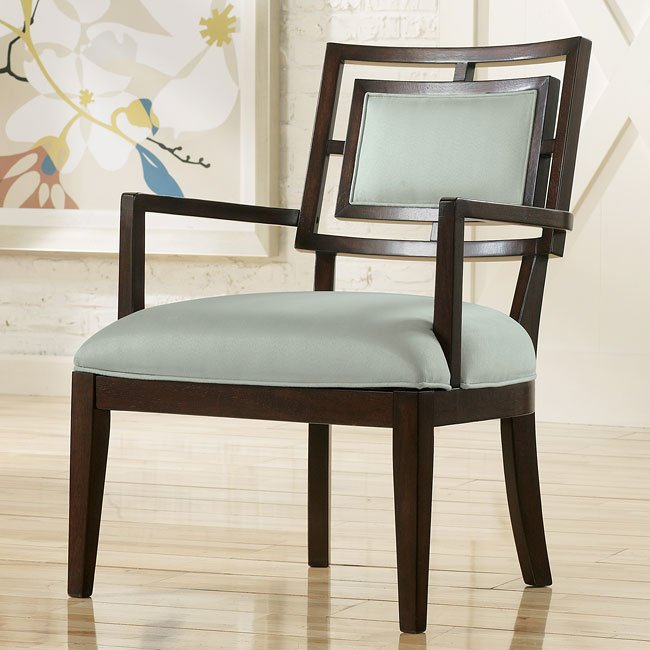 Aaron - Spa Showood Accent Chair