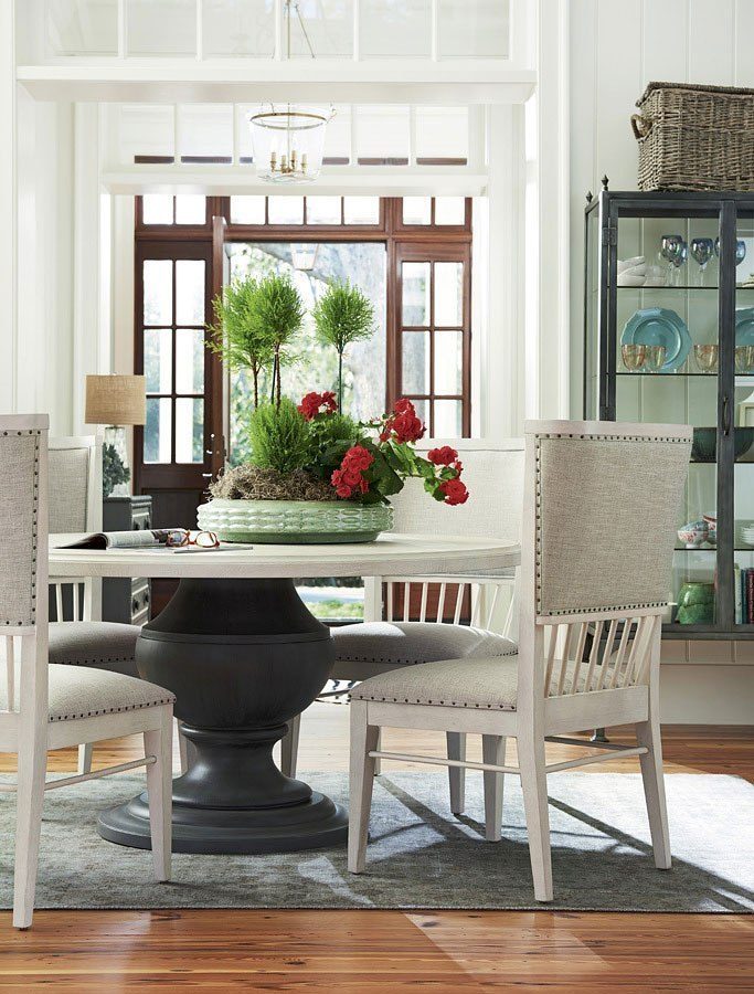Bungalow Round Dining Room Set