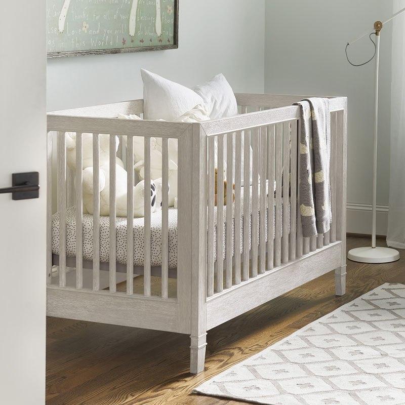 Modern Spirit Stationary Crib