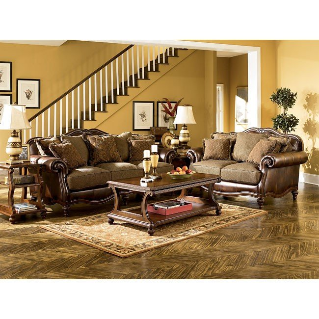 Merveilleux Claremore   Antique Living Room Set