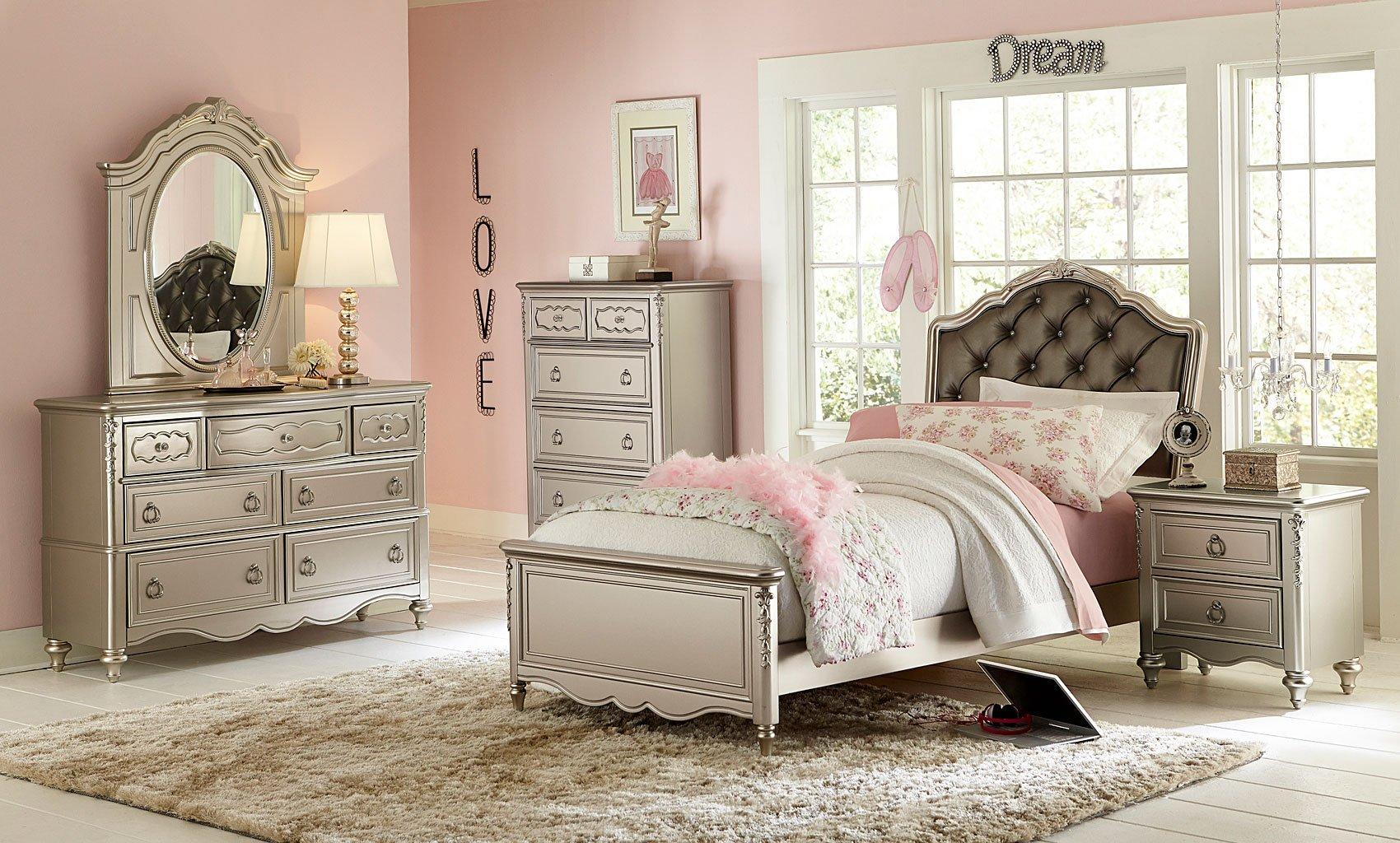 Sterlin Panel Bedroom Set