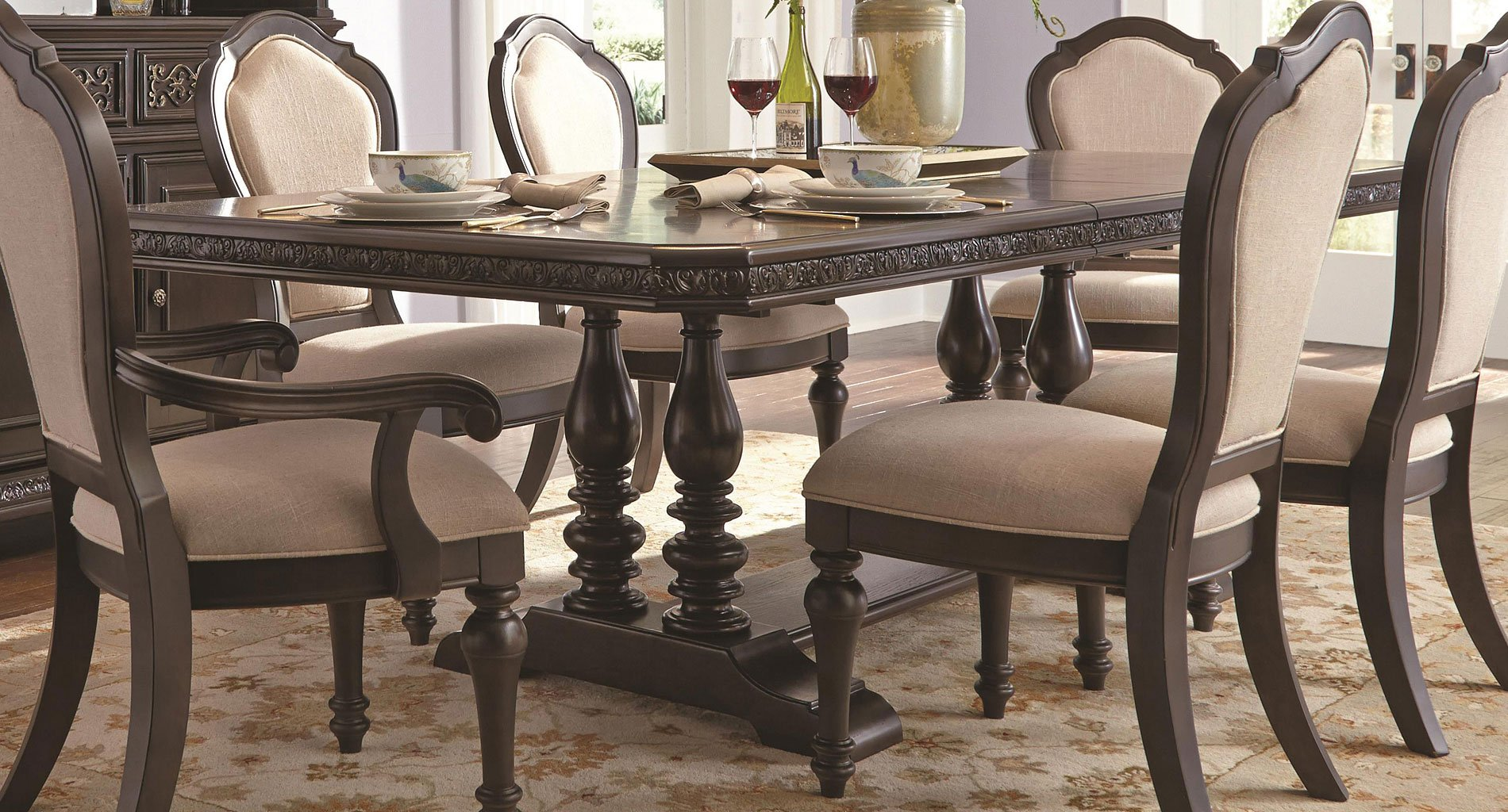 Superieur Monarch Dining Table