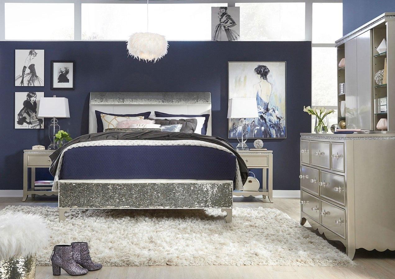 Glitz and Glam Upholstered Mermaid Bedroom Set