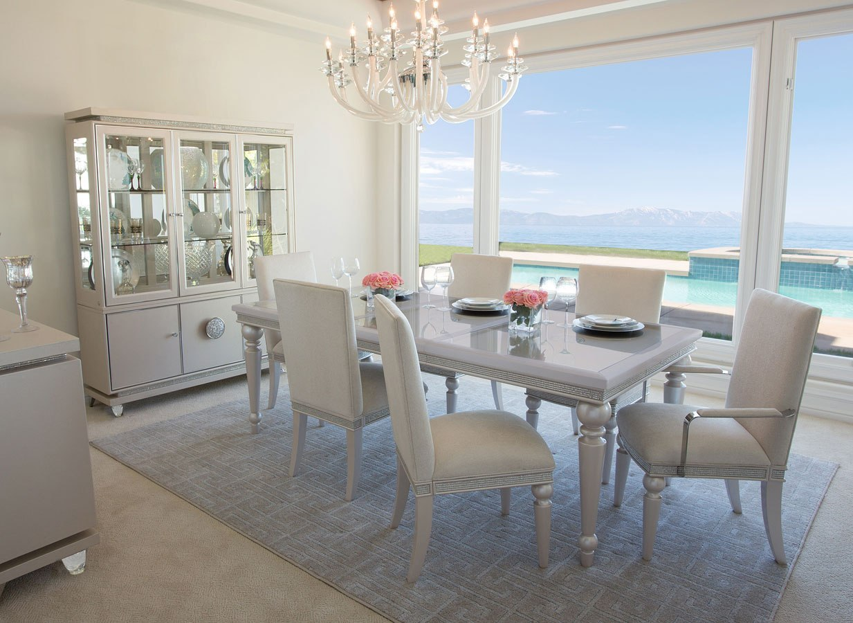 Glimmering Heights Dining Room Set