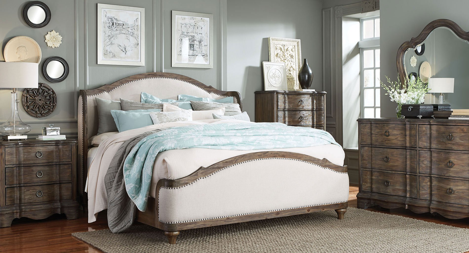 Cute Upholstered Bedroom Set Design