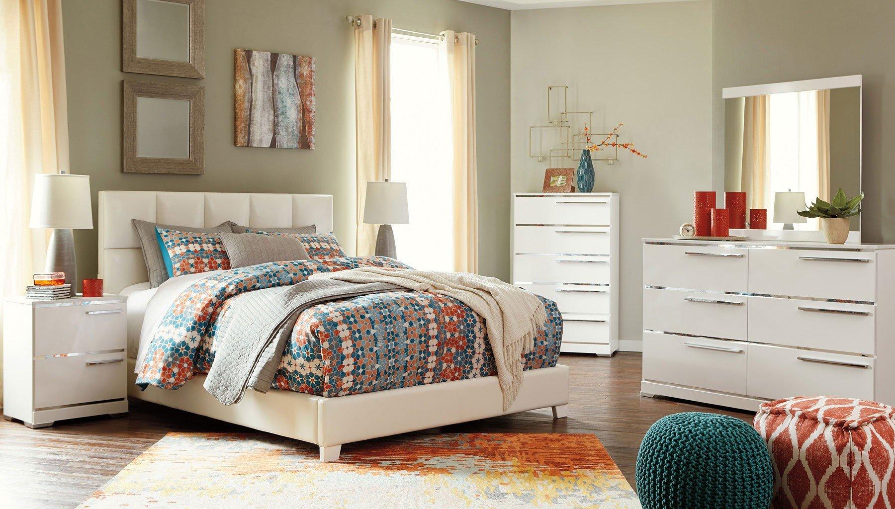 Brillaney Bedroom Set W/ White Upholstered Bed Signature Design ...