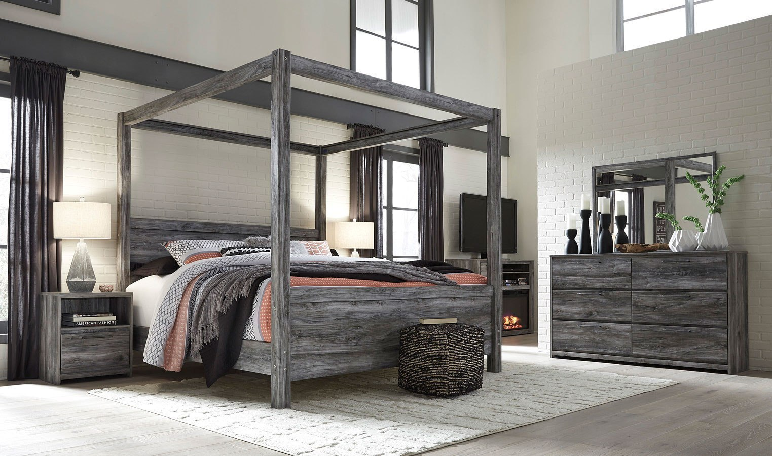 Baystorm Canopy Bedroom Set Signature Design