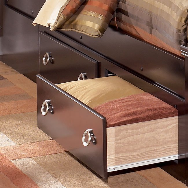 Pinella Bedroom Set: Pinella Upholstered Bedroom Set Signature Design