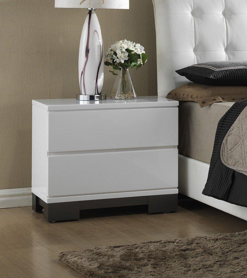 Avery Furniture: Avery Upholstered Bedroom Set Crown Mark Furniture
