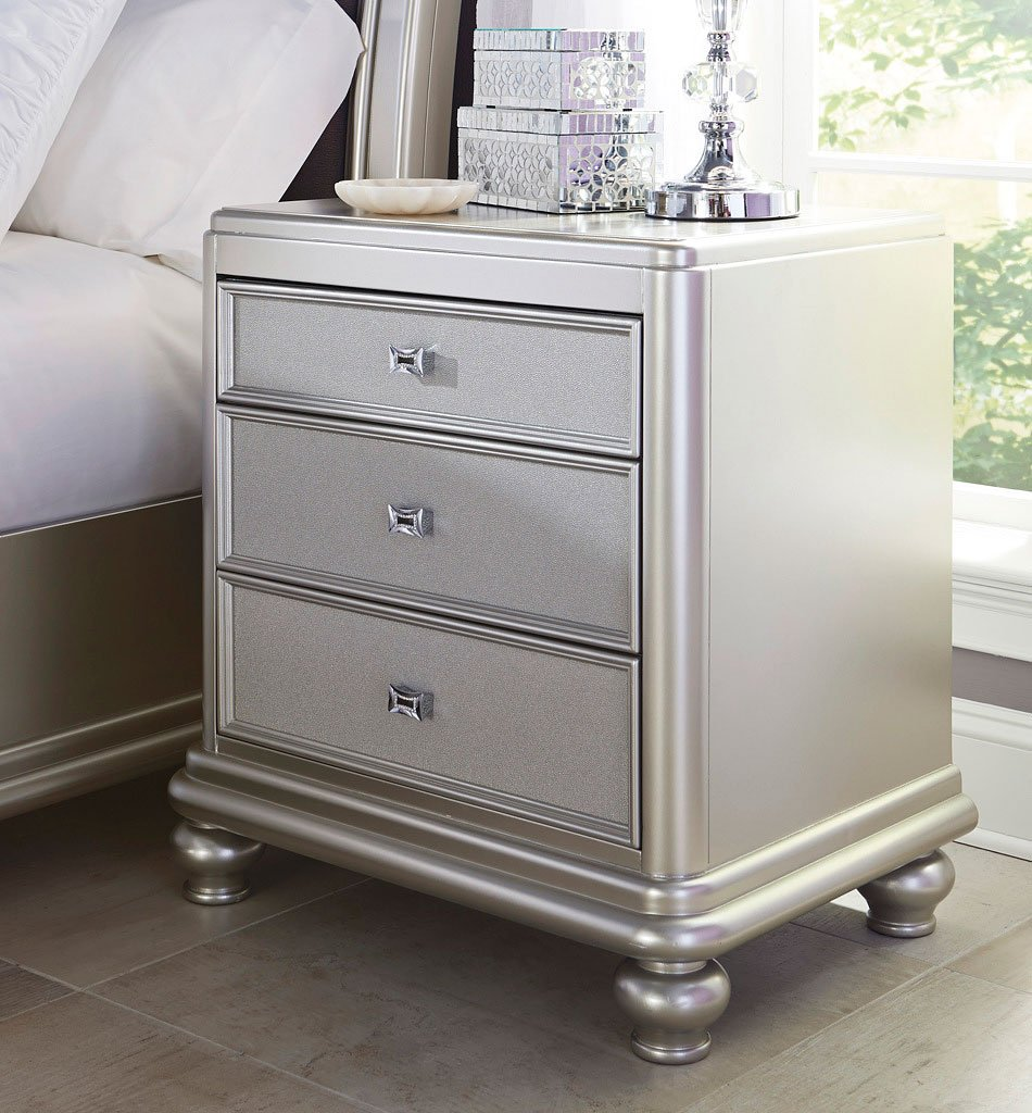 Coralayne Upholstered Bed Signature Design