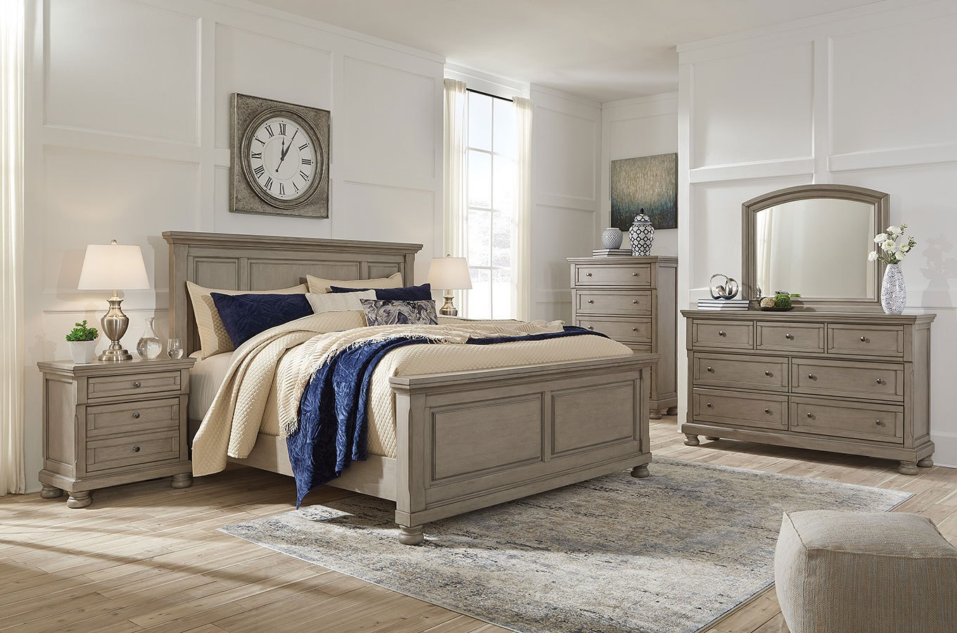 Lettner Panel Bedroom Set Signature Design