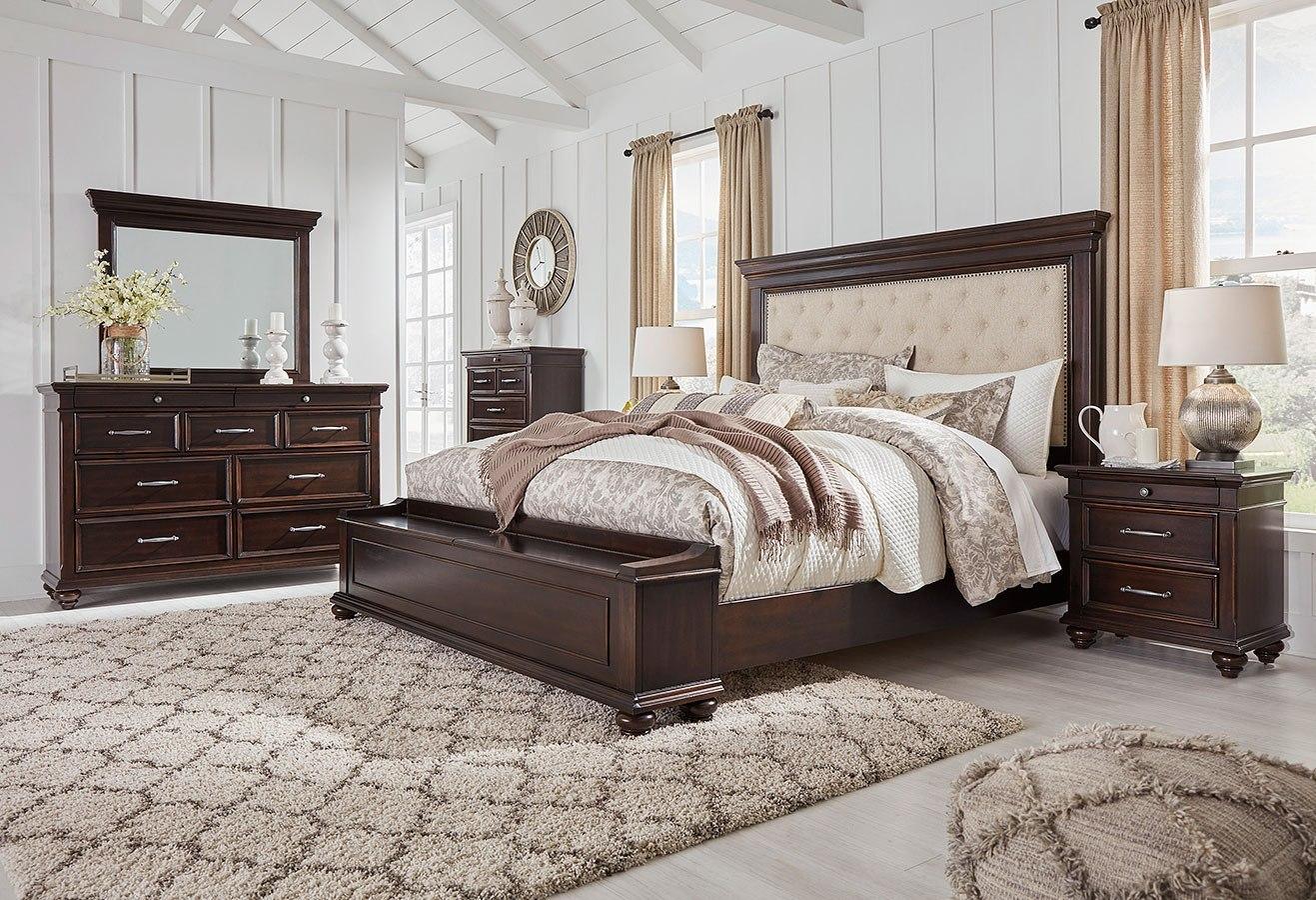 Brynhurst Upholstered Storage Bedroom Set