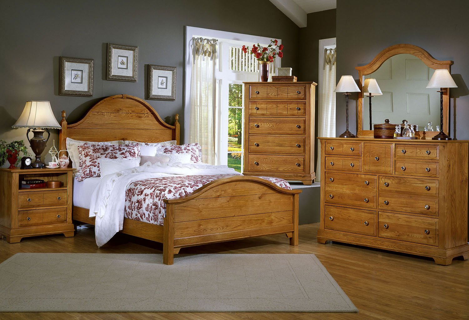 Cottage Panel Bedroom Set (Oak)