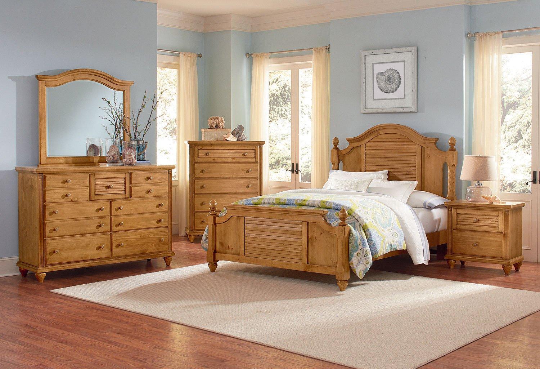 Shutters Poster Bedroom Set (Pine)