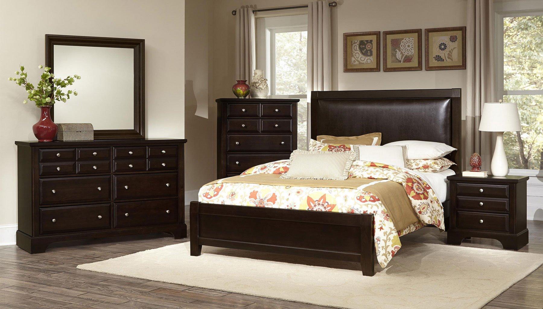 Bedford Panel Bedroom Set (Merlot)