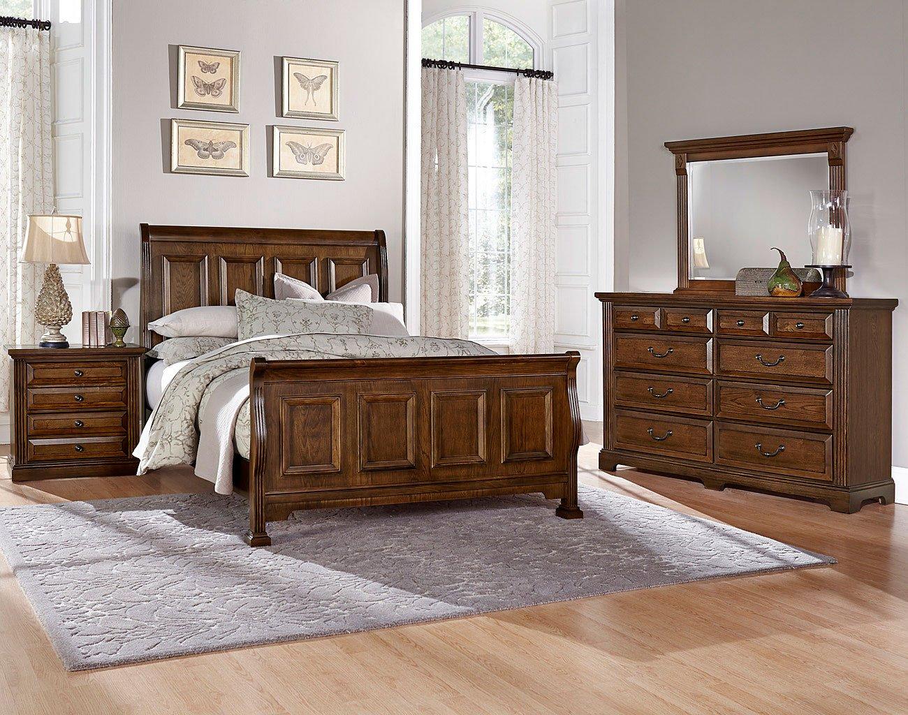 Woodlands Sleigh Bedroom Set (Oak)