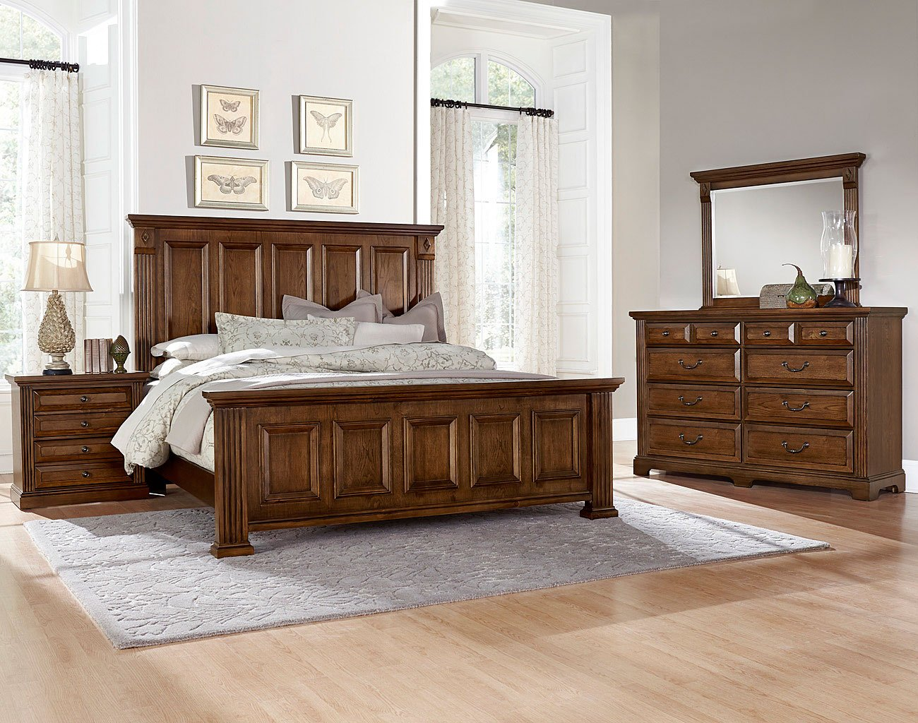 Woodlands Mansion Bedroom Set (Oak) Vaughan Bassett, 1