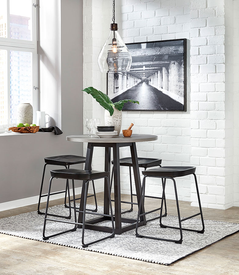 Showdell Counter Height Dining Set W Black Barstools Signature Design Furniture Cart