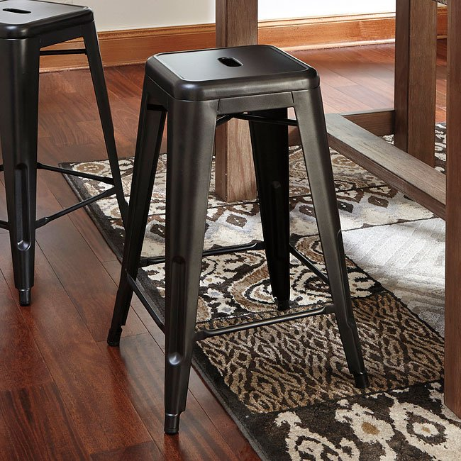 Pinnadel Counter Height Dinette W Metal Stools Signature