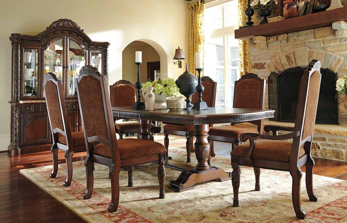 North Shore Pedestal Dining Room Set w/ Upholstered Chairs