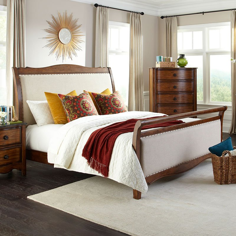 Luciano Upholstered Sleigh Bedroom Set Intercon Furniture