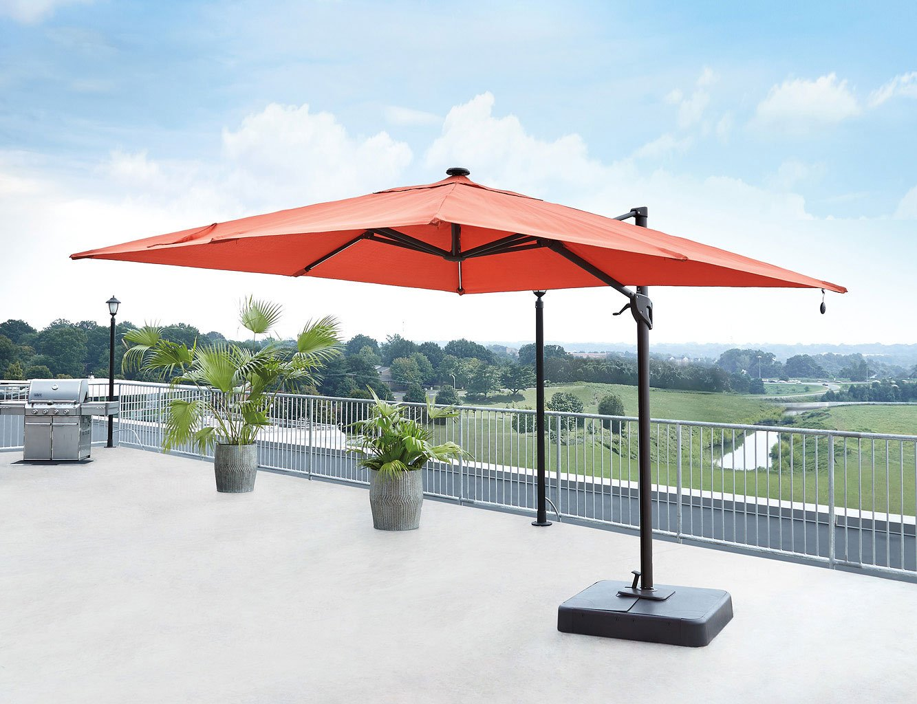 Oakengrove Large Cantilever Umbrella (Coral)