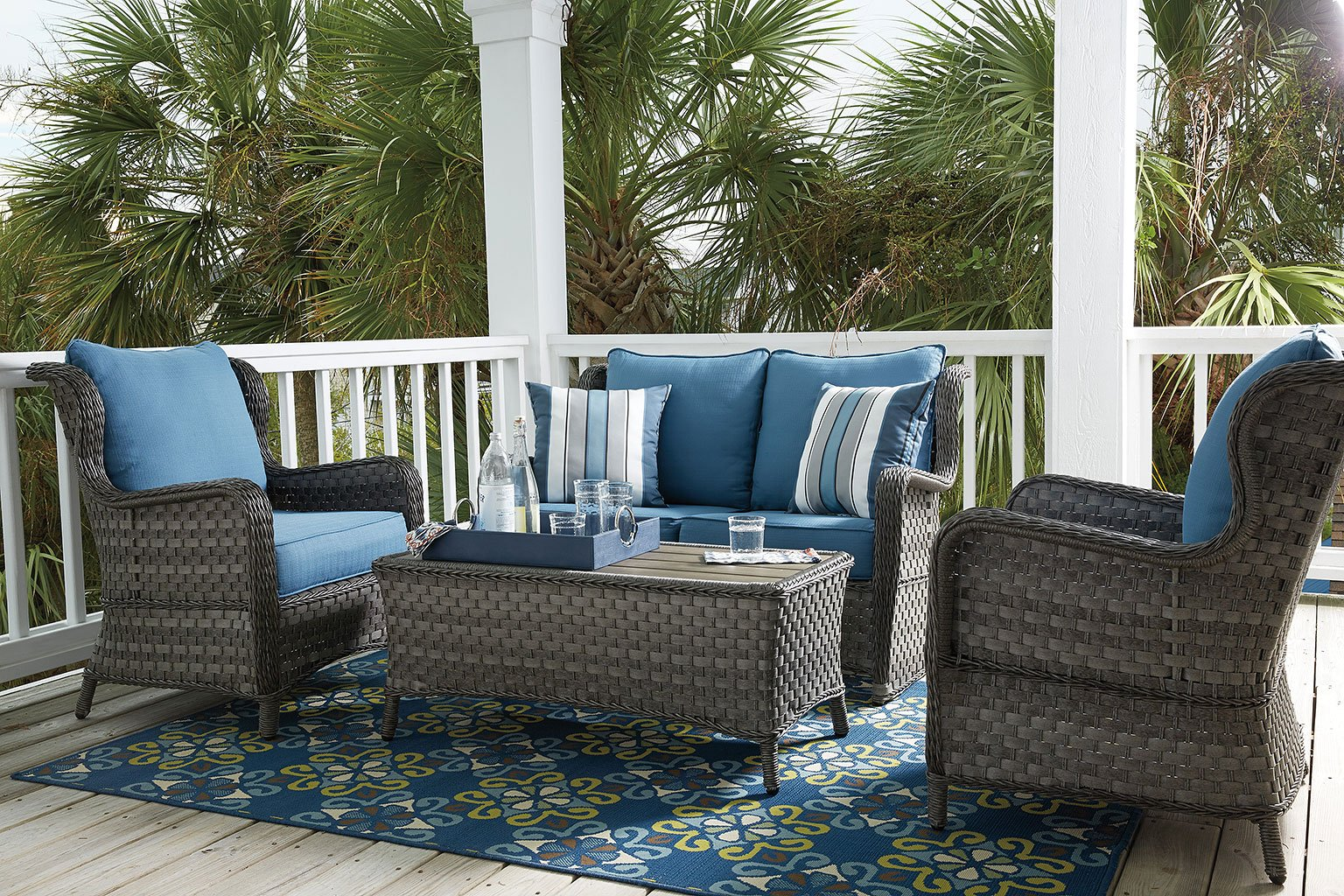 Abbots Court Outdoor Seating Set